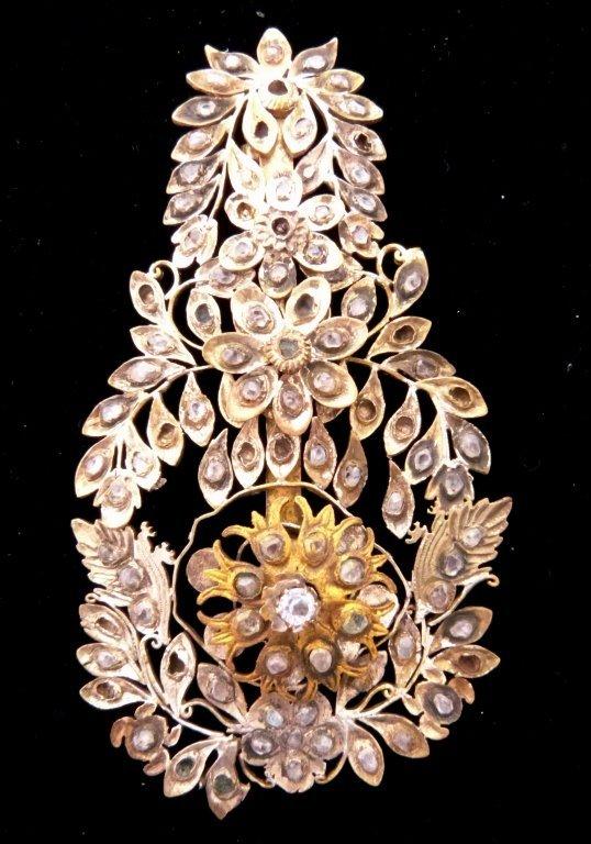 18: Vermeil  and  Diamantes pin
