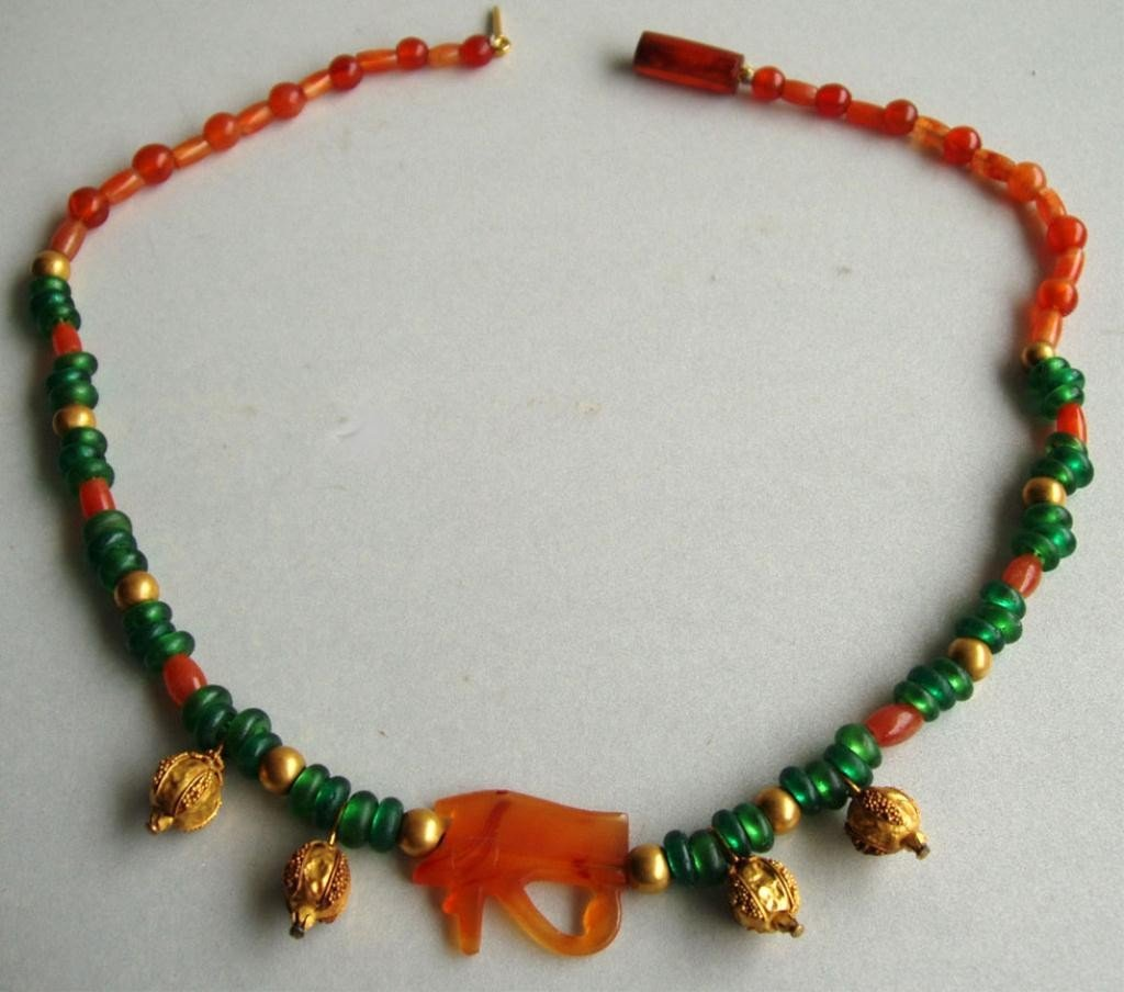103: EXQUISITE ANCIENT EGYPTIAN NEW KINGDOM NECKLACE