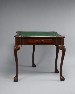 CHIPPENDALE TURRETTOP FITTED MAHOGANY GAMING TABLE