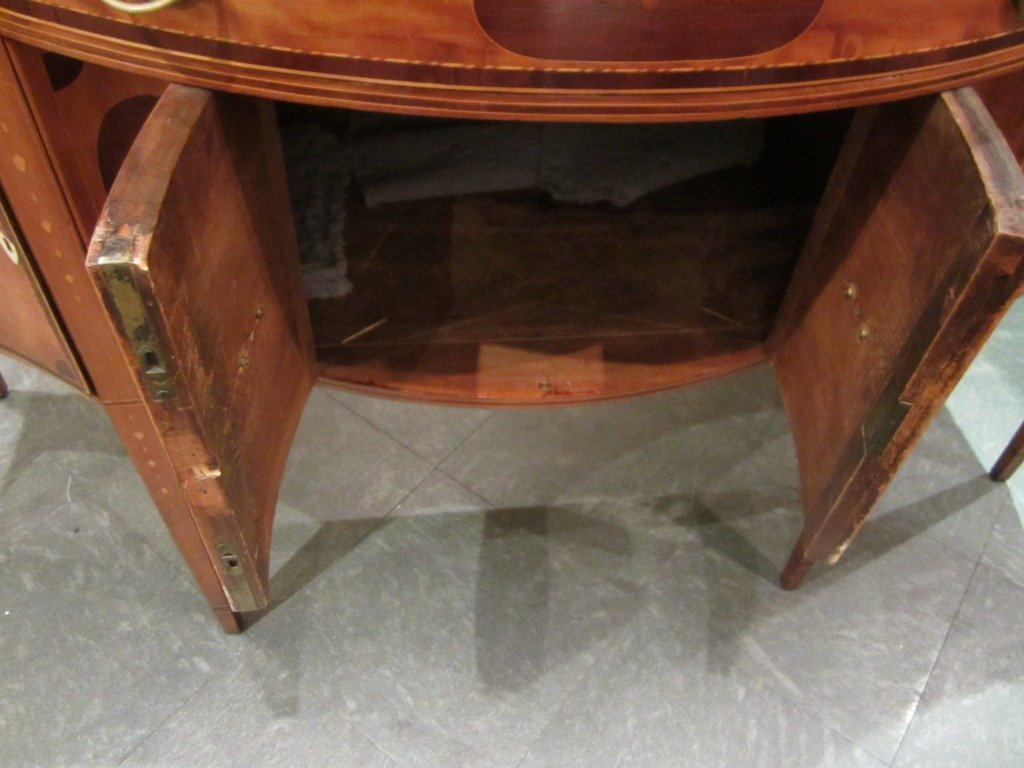97: Federal Serpentine-Front Inlaid Sideboard - 10