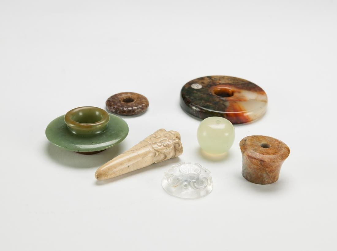 Qing - A Group Of Six Small Jade Stones - 4