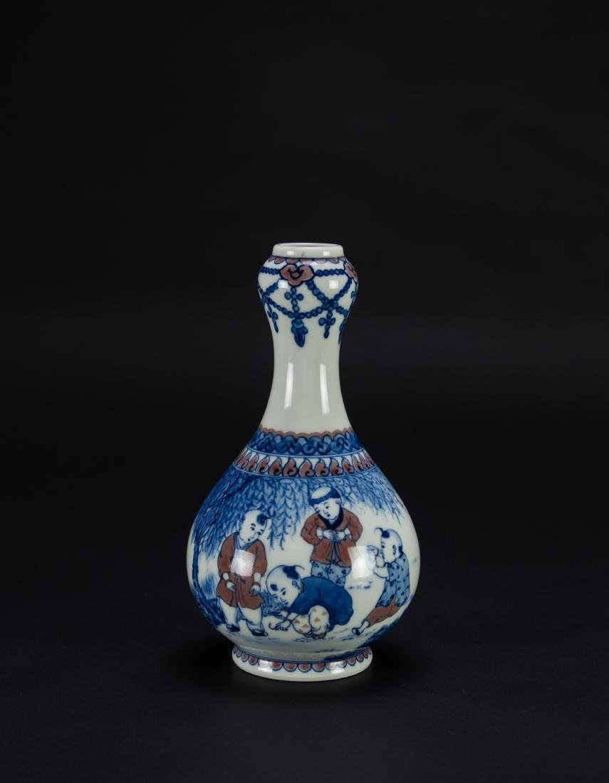 A Blue And White Cooper Red Glazed Garlic Vase
