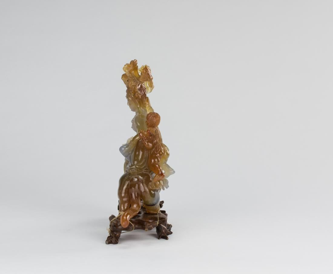 Early 20 Century-An Agate Carved Quanyin ride on Lion - 7
