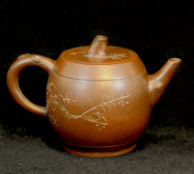 3006:Tang Xide, Teapot carving Plum tree