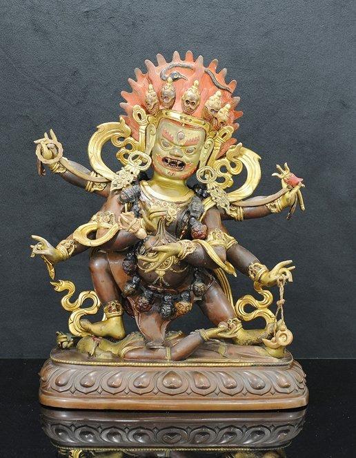 4022: 18th / 19th Century. A large gilt-bronze figure o