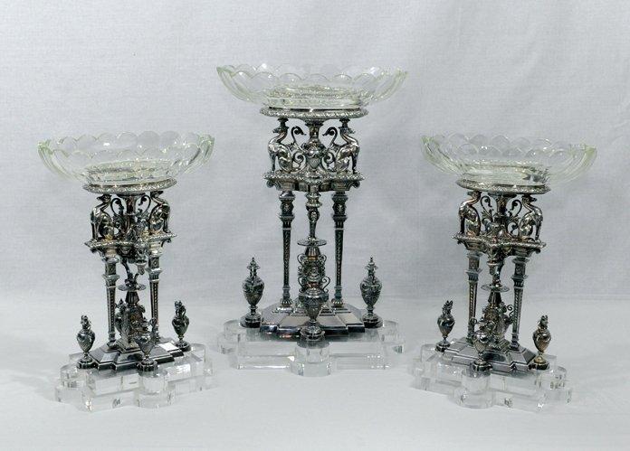 4023: 19th Century.A beautiful silver-plate table garni