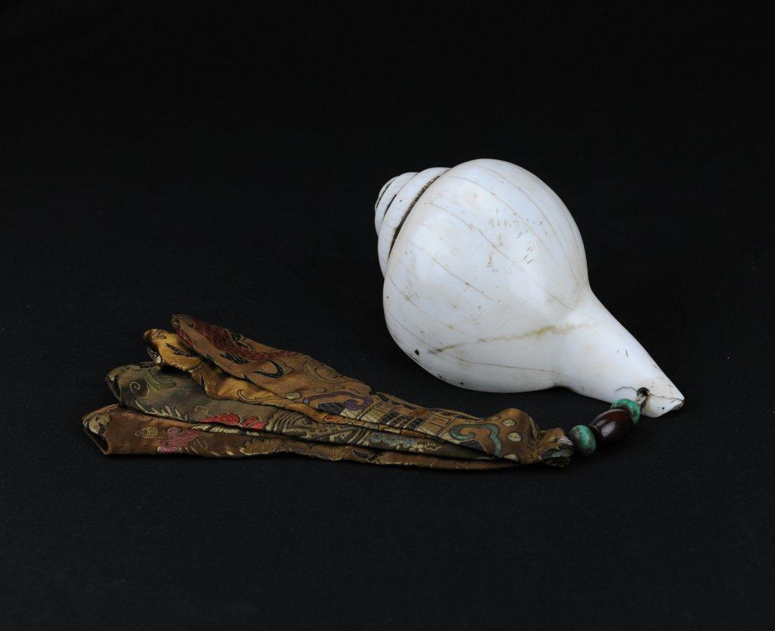 5006: Qing. A conch shell, Buddhism