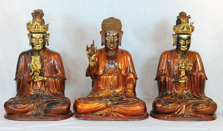 5019: 18th Century.A large three gold lacquer Buddha