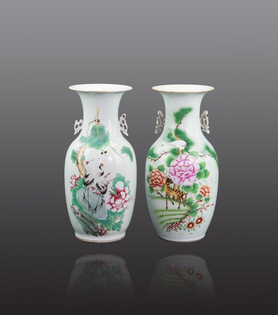 Early 20th Century - A pair of 'Poney Deer' vase