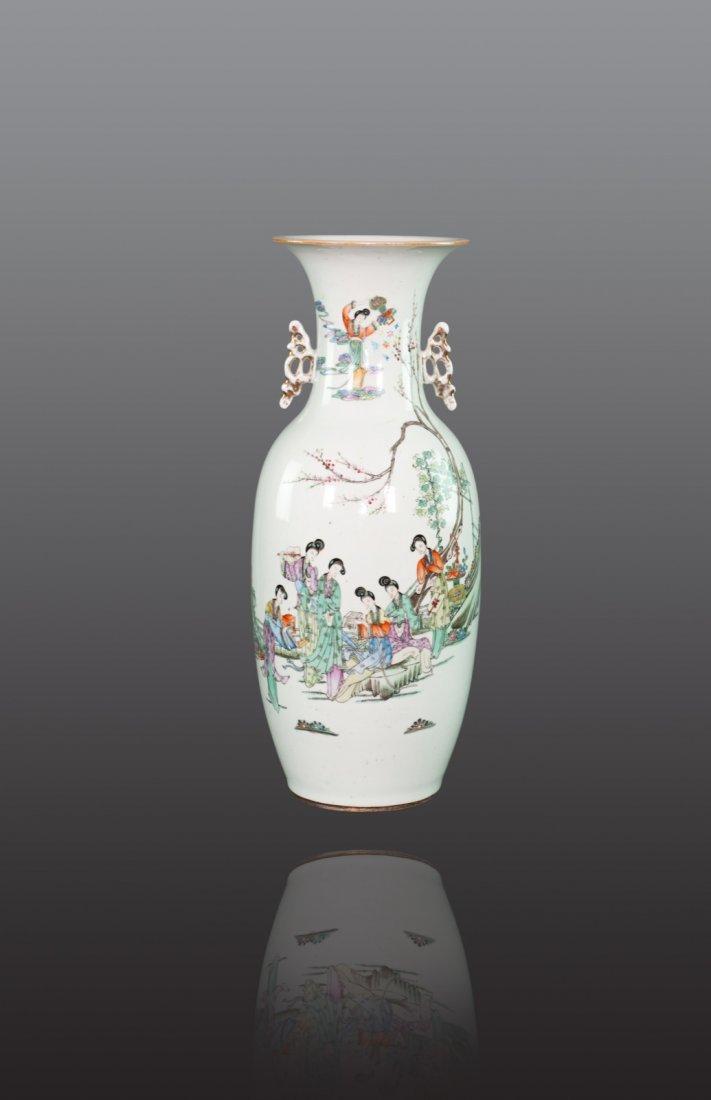 Republic - A famille-rose 'Beauties' double handle vase