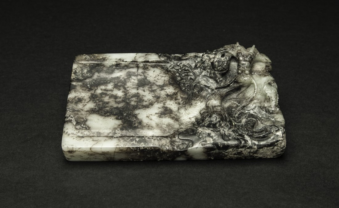 Ming - A Black White Chinese  Jade Carved Dragon Ink