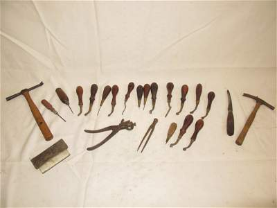 82: Large Lot: Leather Tools, Osborne and others