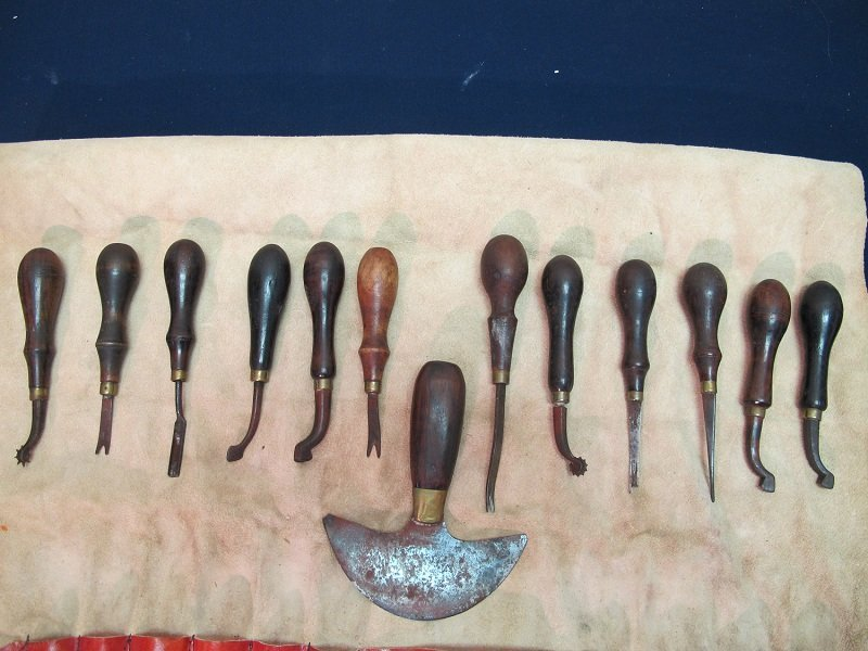 164: Leather Hand Tools-13 pieces