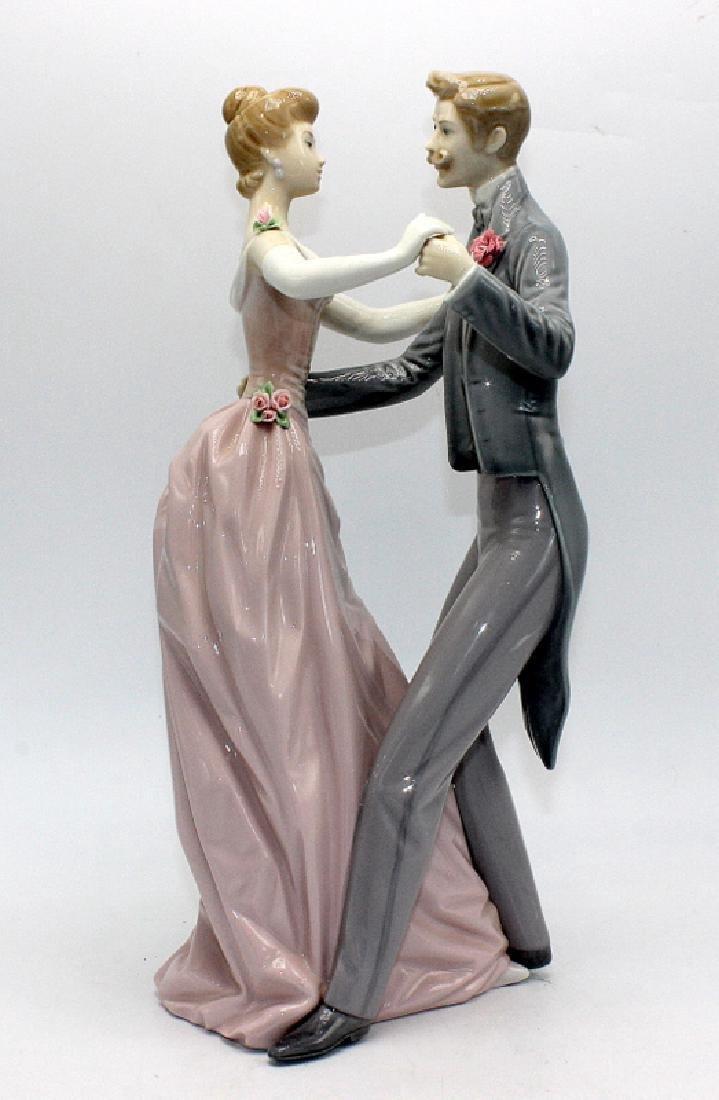 "Lladro #1372 ""Anniversary Waltz"""