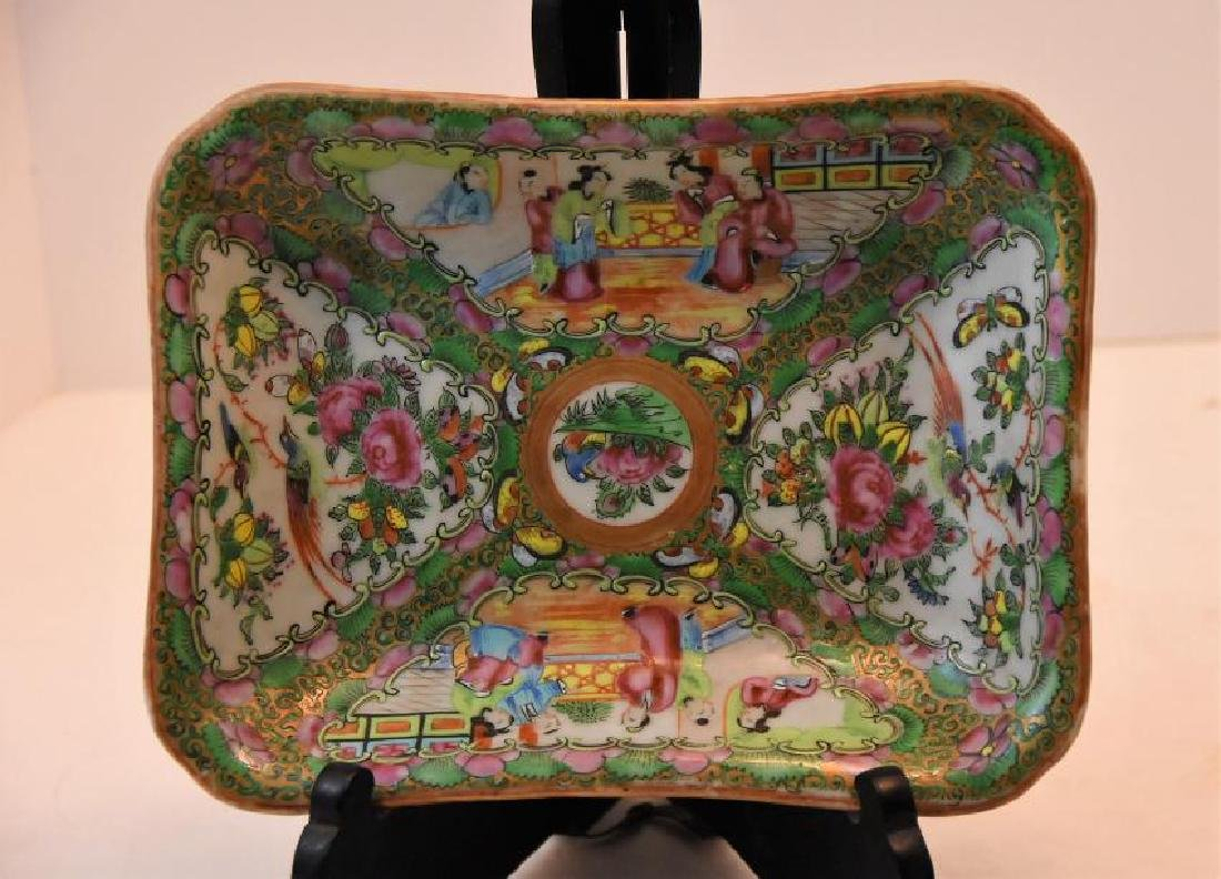 Chinese Rose Medallion Circa 1860s Large Dish