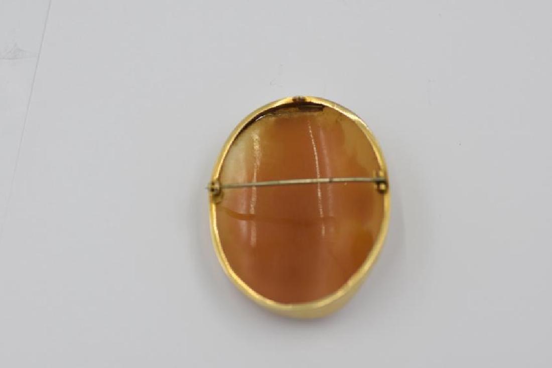 Vintage Cameo Brooch/Pendant Adorned FM&S 375(9K) Gold - 2