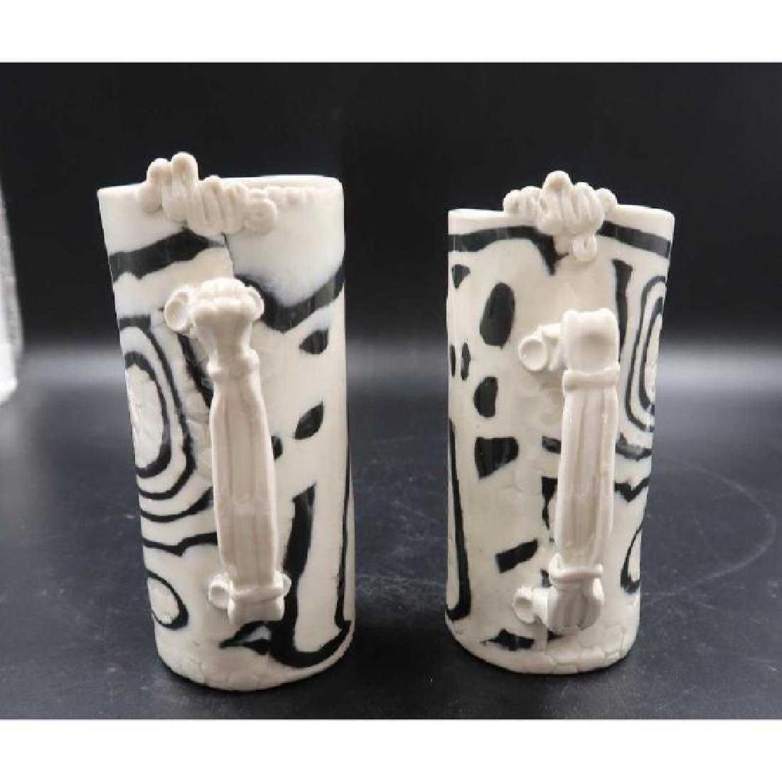 (Pair) signed ceramic mugs - 3