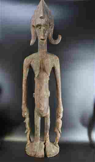1600s Aboriginal Indigenous standing Mother w Three Ch
