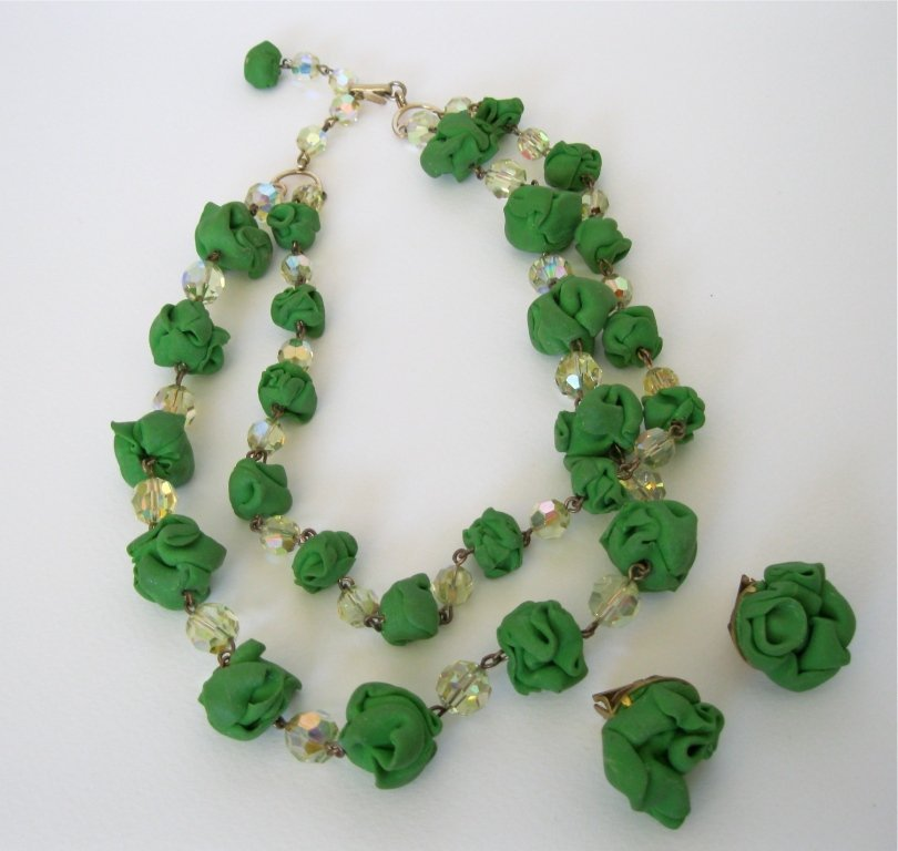 121: Double Strand Green Choker & Earring Set -France