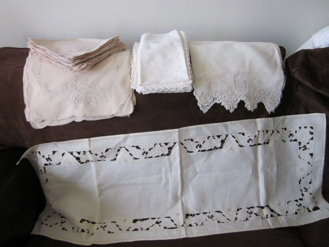 196: Nice Lot of Antique Linens