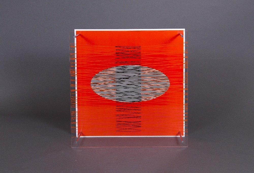 Ovalo en el rojo (de la serie Sintesis), 1979