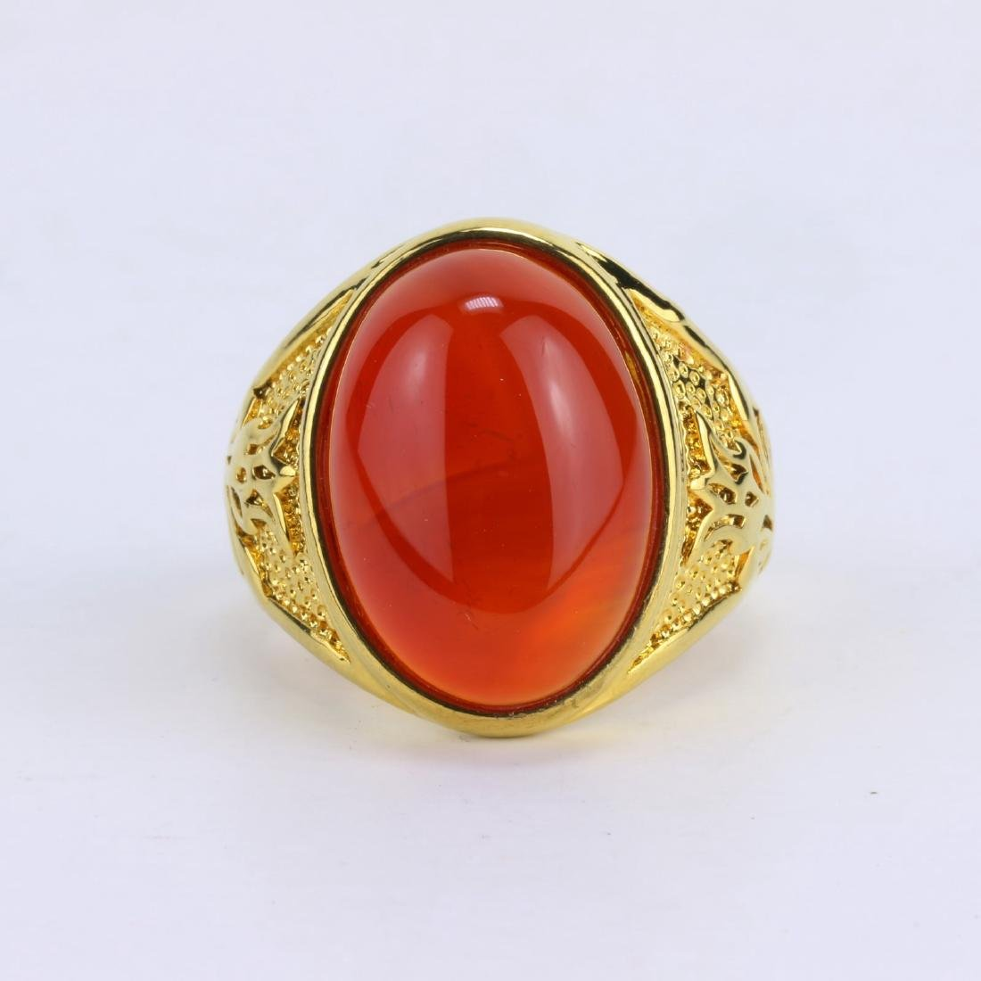 A CHINESE RED JADE OR JADEITE MEN'S RING - 2