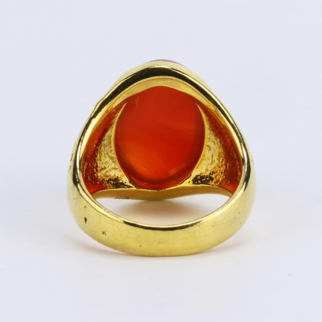 A CHINESE RED JADE OR JADEITE MEN'S RING - 3