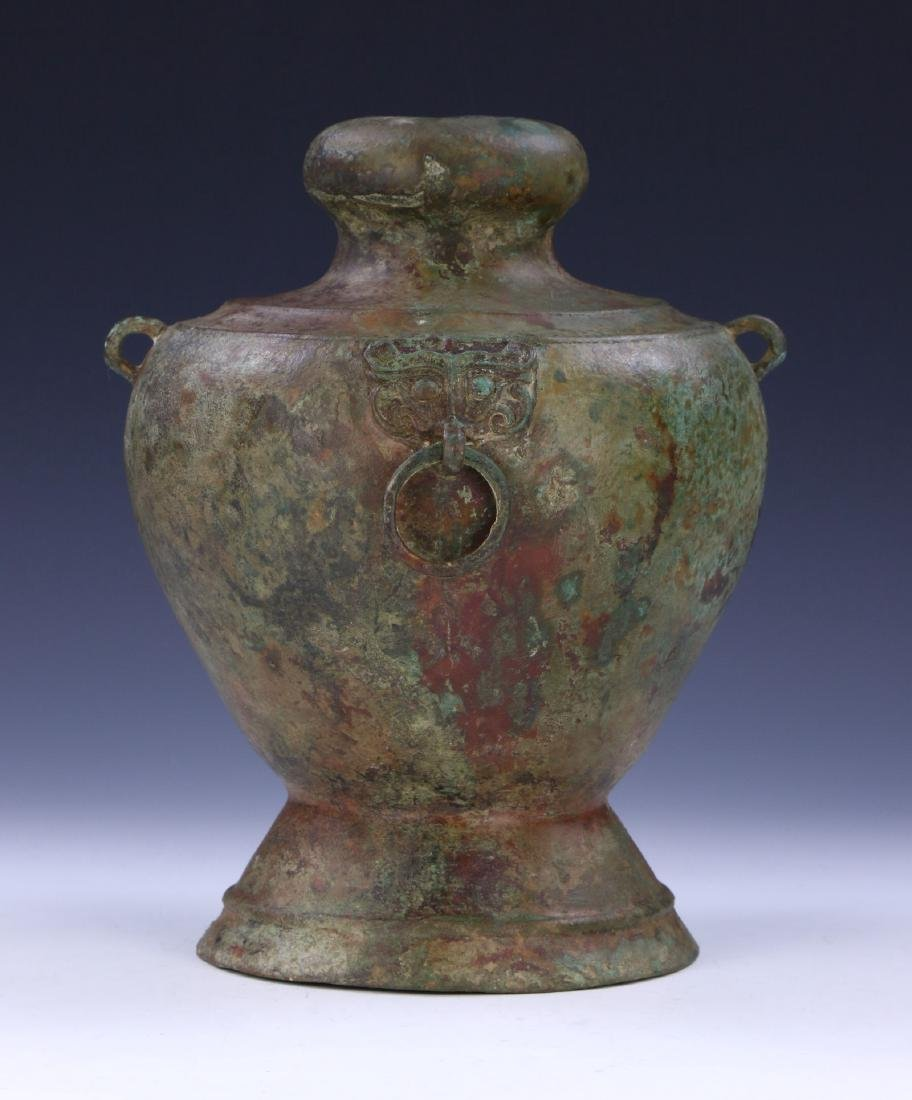 A CHINESE ANTIQUE ARCHAIC BRONZE VASE