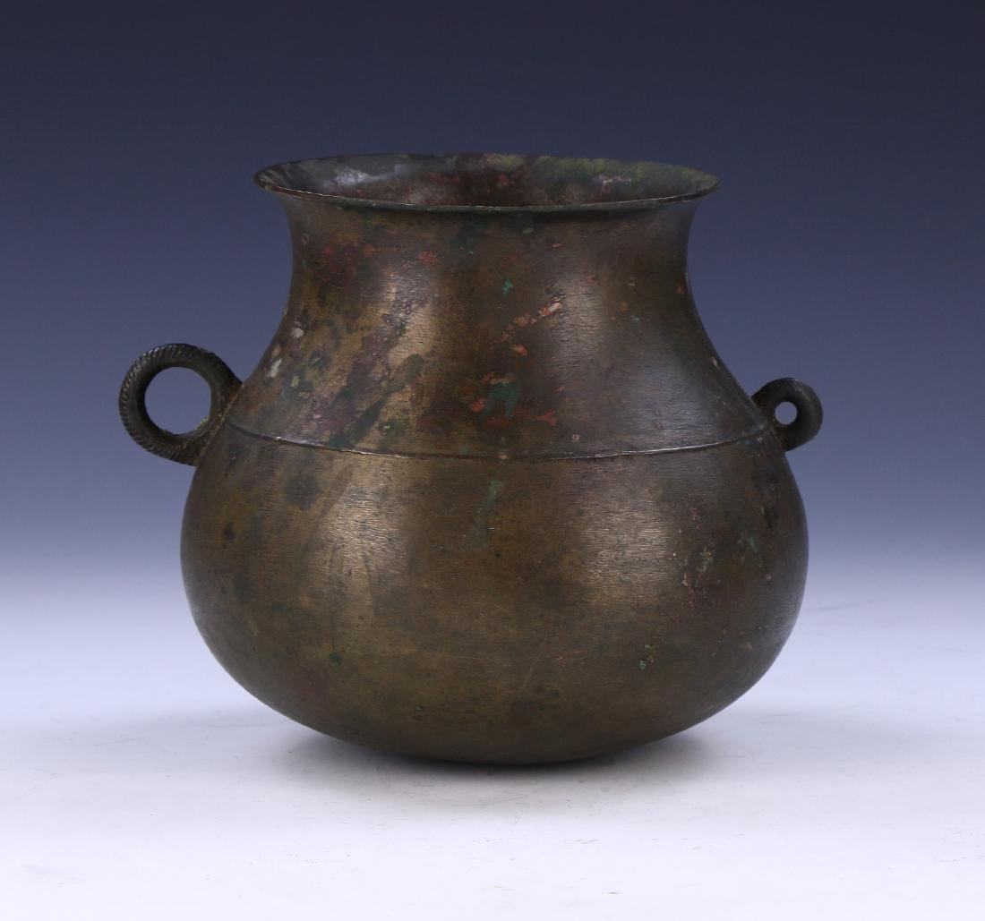 A CHINESE ANTIQUE BRONZE PITCHER