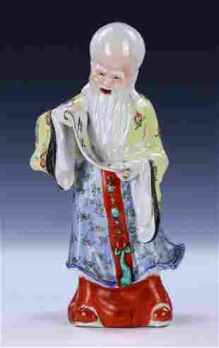 A CHINESE ANTIQUE FAMILLE ROSE PORCELAIN SHOULAO FIGURE
