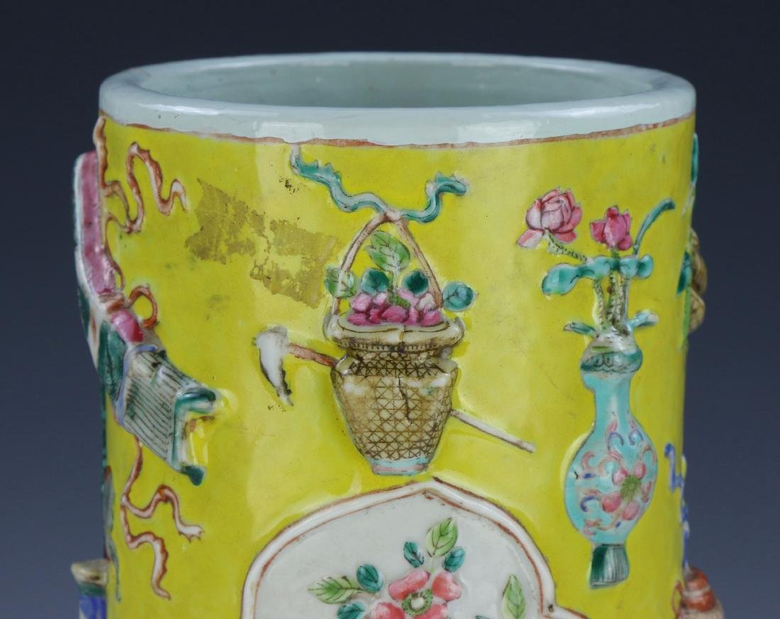 A CHINESE ANTIQUE FAMILLE ROSE PORCELAIN HAT STAND - 3