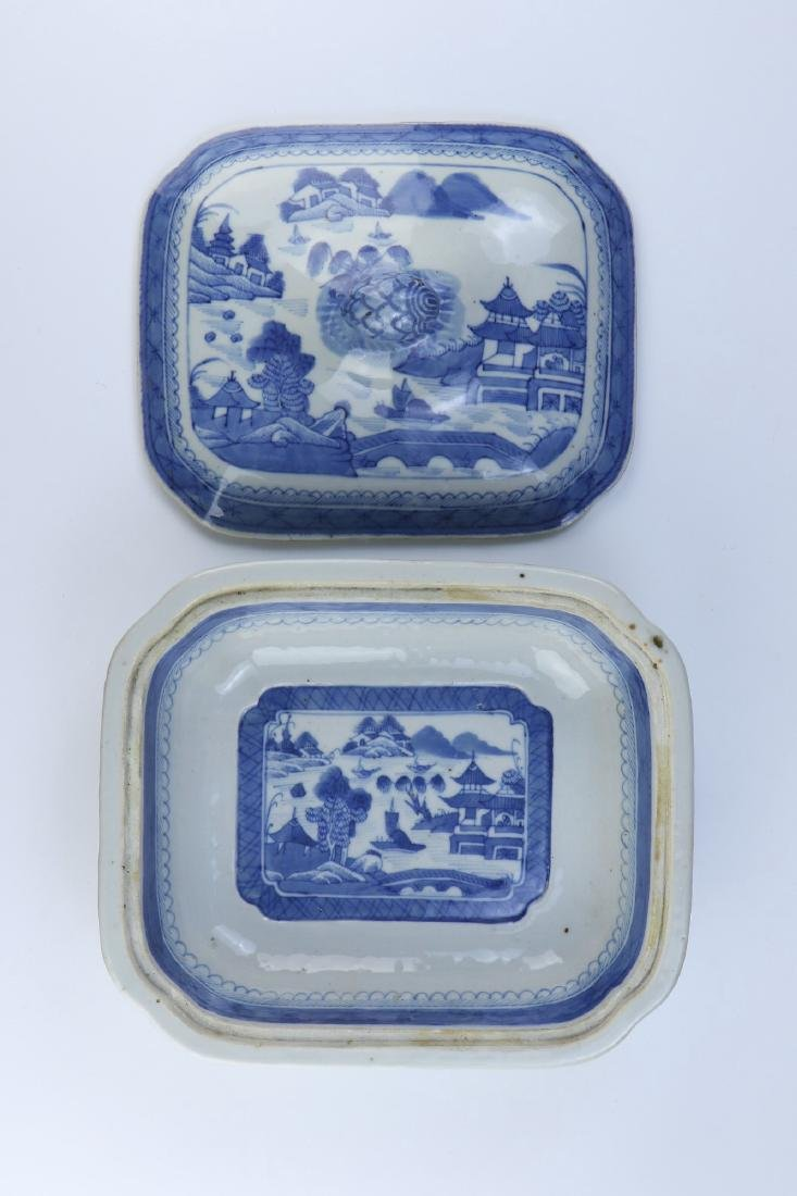 A CHINESE ANTIQUE BLUE & WHITE LIDDED PORCELAIN TUREEN - 2