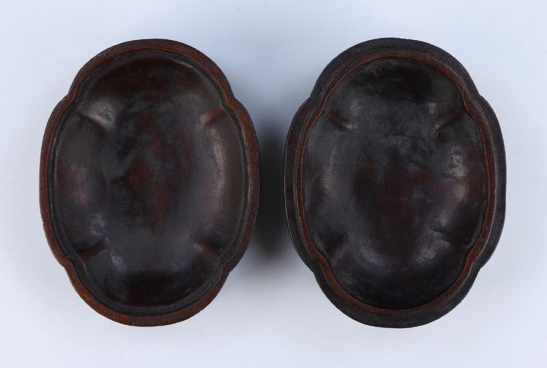 A CHINESE ANTIQUE AGARWOOD CARVED LIDDED TRINKET BOX - 4