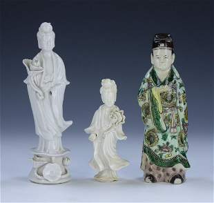 THREE 3 CHINESE ANTIQUE MIXED PORCELAIN FIGURES