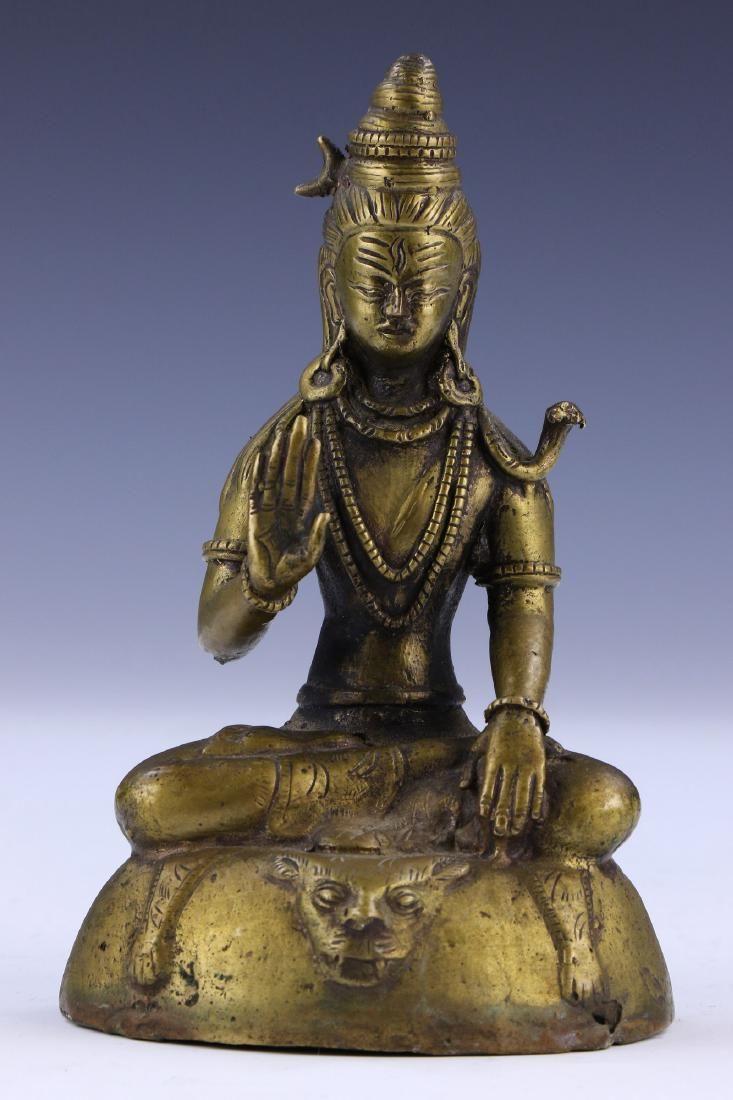 A TIBETAN ANTIQUE BRONZE BUDDHA