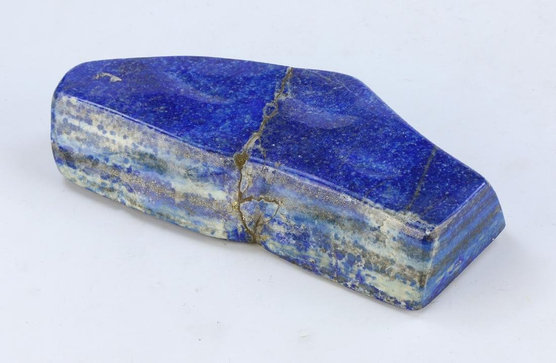 A LAPIS BLUE ROCK & WOODEN STAND - 3