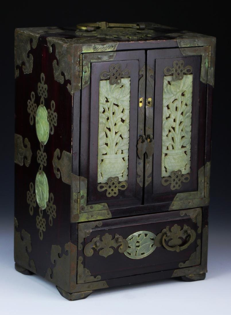 A CHINESE JADE & WOOD CARVED BOX