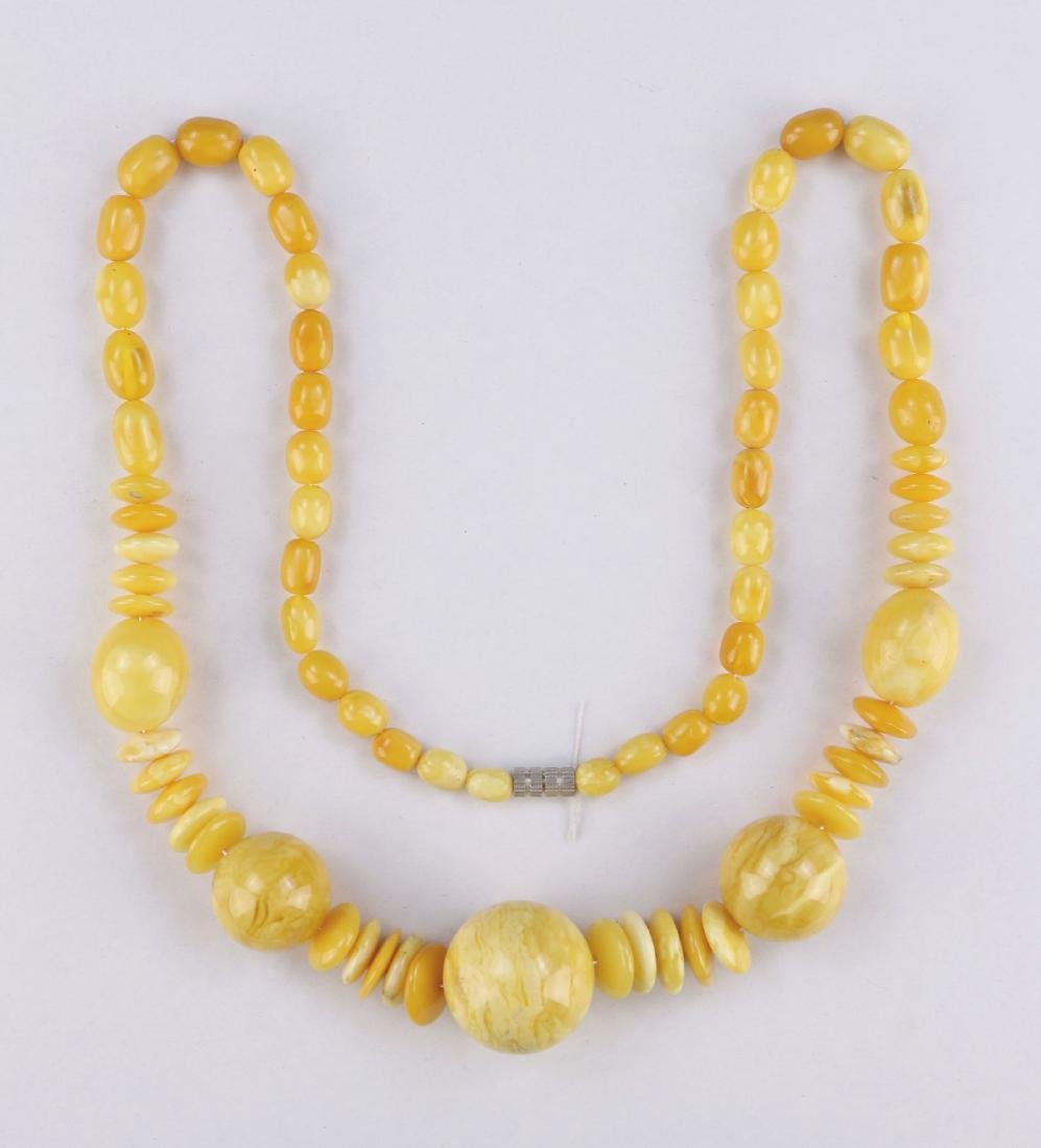 A MILA AMBER BEADED NECKLACE