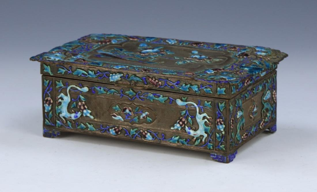 A CHINESE CLOISONNE ON SILVER TRINKET BOX