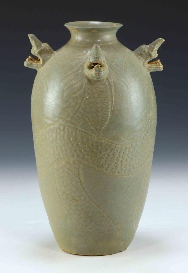 A KOREAN CELADON GLAZED PORCELAIN VASE