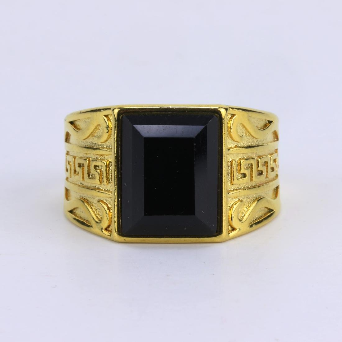 A JADEITE OR JADE MEN'S RING - 2