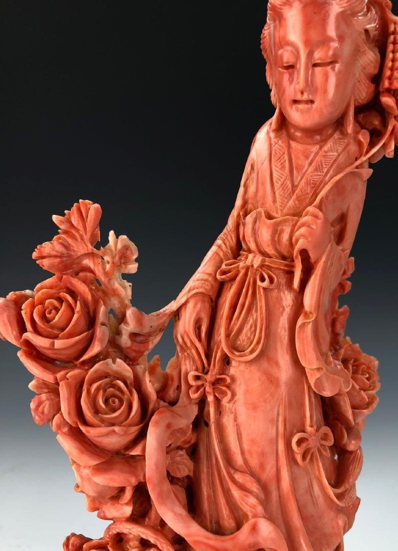 A FINE ANTIQUE CHINESE CARVED MOMO RED CORAL BEAUTY - 2