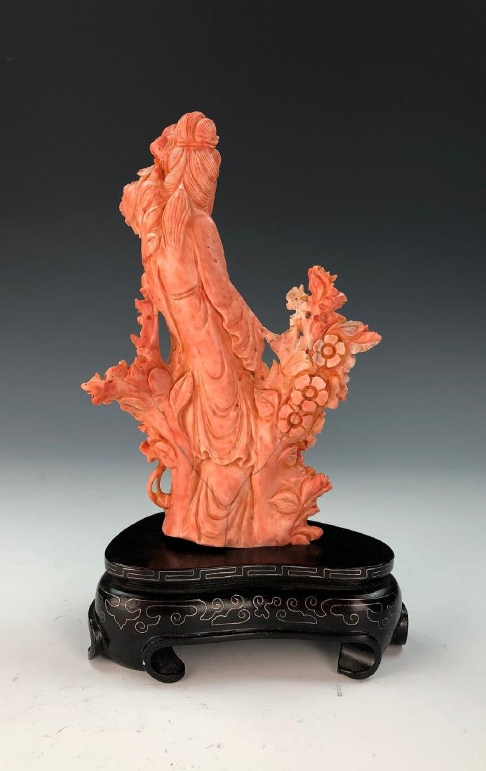 A FINE ANTIQUE CHINESE CARVED MOMO RED CORAL BEAUTY - 3