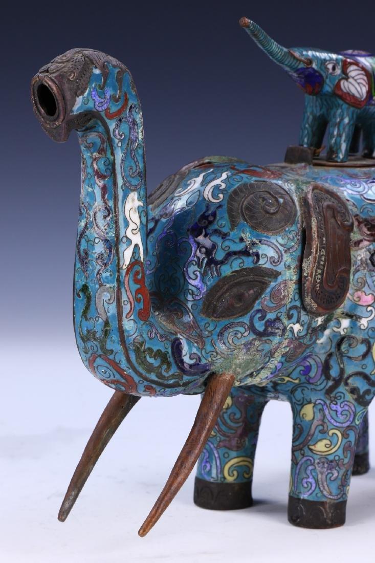 A CHINESE CLOISONNE ENAMEL ELEPHANT - 2