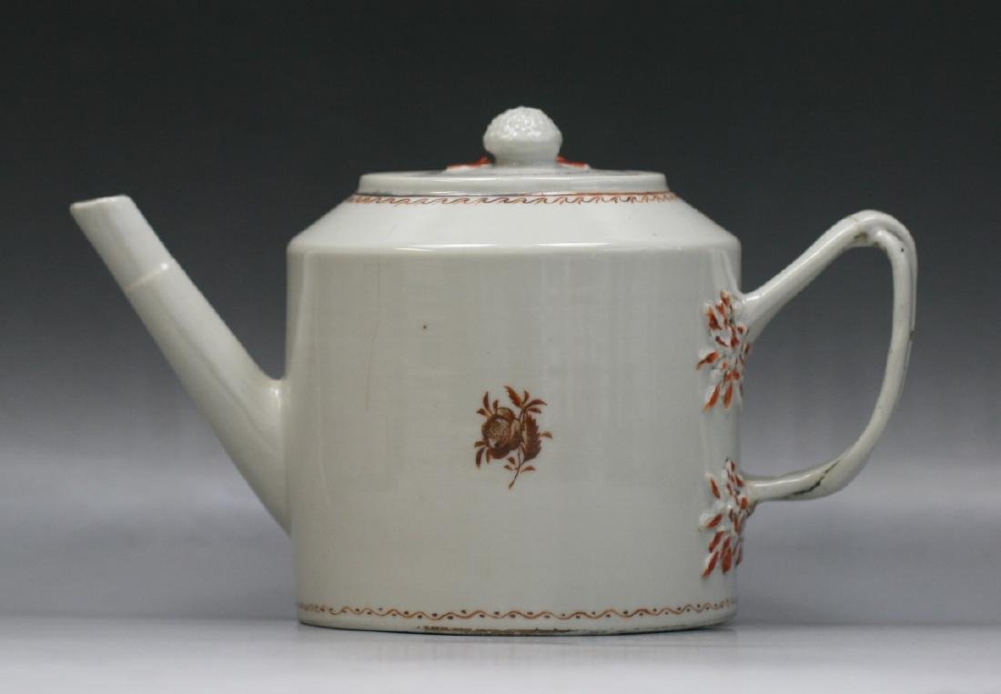 A CHINESE QING EXPORT GILT PORCELAIN TEAPOT - 2