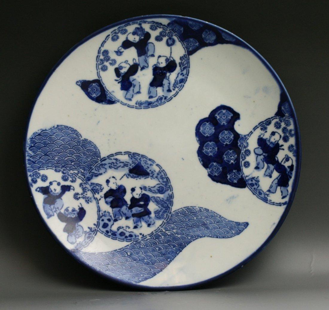 61: Two Japanese Antique Arita B&W Porcelain Plates - 5
