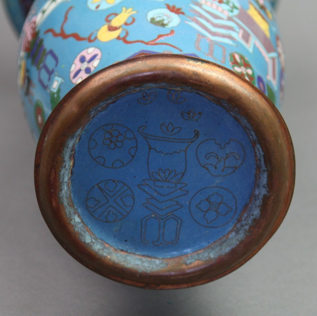 326: Massive Vintage Chinese Cloisonne Yen Yen Vase - 6