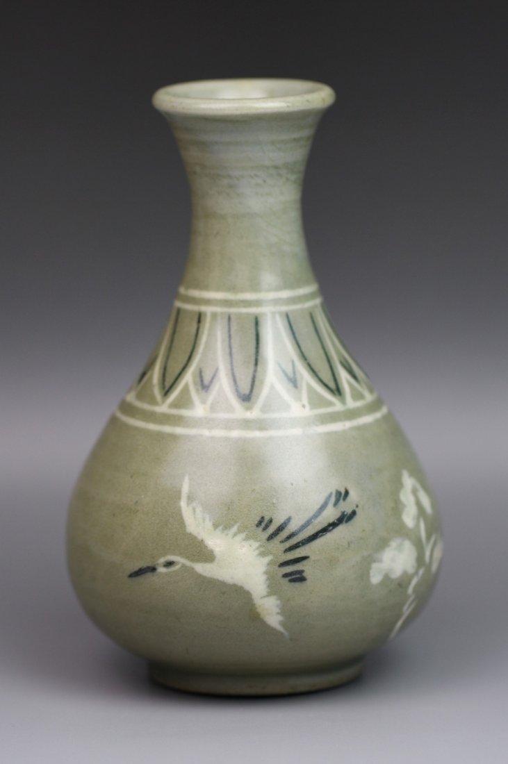 15: Vintage Korean Celadon Glaze Porcelain Vase