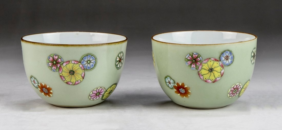 Pair Chinese Antique Famille Rose Porcelain Cups
