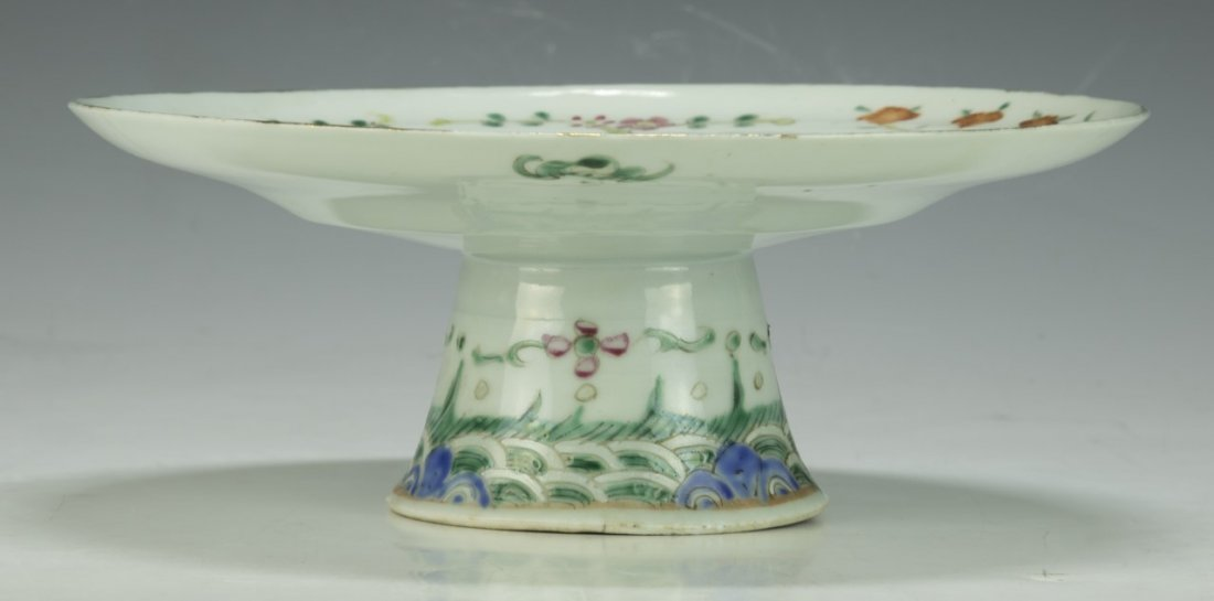 A Chinese Famille Rose Porcelain Stem Plate